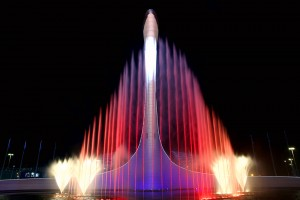 Вечерний олимпийский парк и шоу фонтанов