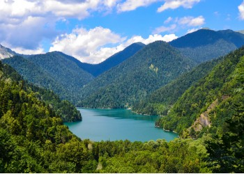 Абхазия: озеро Рица, Юпшарский каньон, Голубое озеро, Гагра